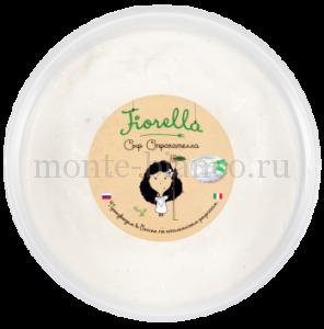 Сыр Fiorella Страчателла 47%, 1000 г,Россия